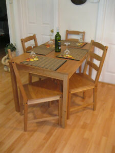 PRICE DROP Beautiful Family Dining rm set like new a must see.