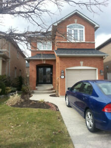 Detached house for Rent in Oakville