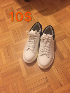leather white shoes size 5
