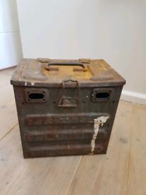 Battery Box vintage