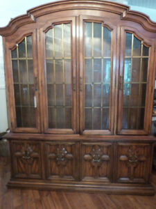 CHINA CABINET DISPLAY CASE DREXEL CANADIAN SOLID WOOD