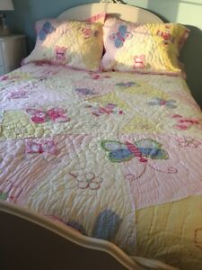 Pottery Barn Kids Quilt and 2 Pillow Shams