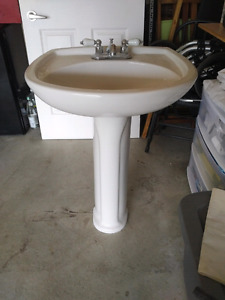 Pedestal sink with faucet!