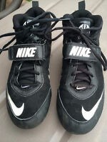 SOULIERS DE FOOTBALL NIKE - ENFANT - POINTURE 6.5