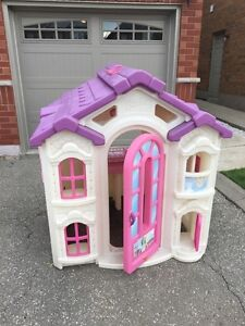 Barbie play house Cambridge Kitchener Area image 1