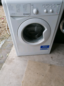 9kg indesit washing machine working order nice and clean can deliver