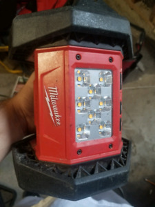 Milwaukee floodlight good condition tool only