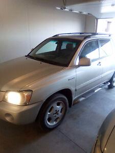 2004 Toyota Highlander Make me a reasonable offer SUV, Crossover