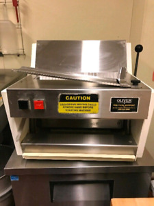 Oliver Automatic Countertop Bread Slicer 100% Working Condition
