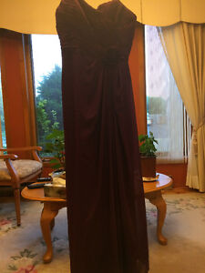 Robe pourpre -taille 12