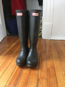 Black Matte Hunters and Hunter Boot Cleaner