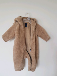 BabyGap winter suit 0-3months