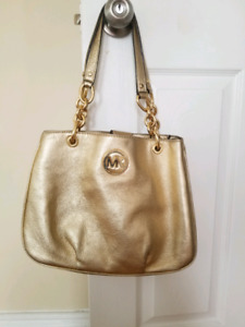 9f604dc6b5 Michael Kors   Buy or Sell Used or New Clothing Online in Oshawa ...