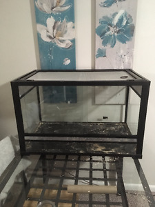 Two reptile tanks, two hides, water dish, dome light