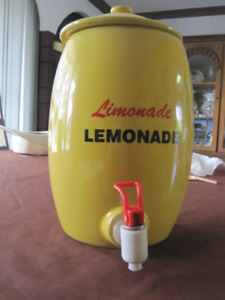 Lemonade Beverage Dispenser with Spigot