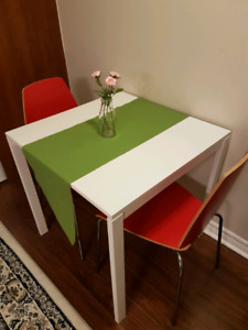 Moving Sale Breakfast Table With 2 Chairs Carpet Single Bed