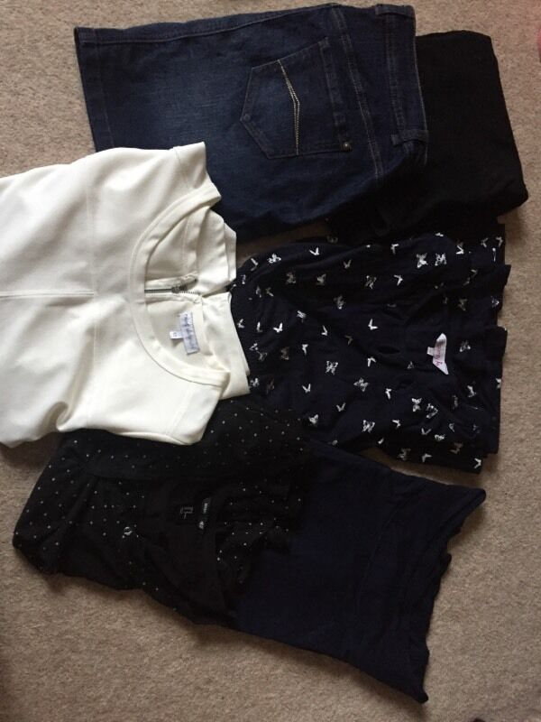 Maternity clothes bundle size 12/14in Bathgate, West LothianGumtree - Maternity clothes bundle all in great conditionMaternity under bump denim skirt from George size 12Maternity cream Top from Next size 12Maternity black and white spot Top from H&M size 12Maternity navy Top from Next size 12 Maternity navy and white...