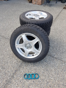 Honda Civic Winter Tiers mounted on the Alloy wheels