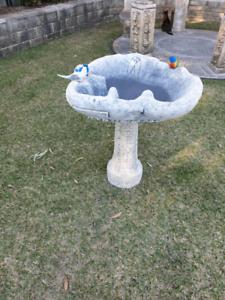 Australiana Birdbath/Pond with Pedestal