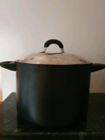 """Non-Stick OvenProof Pot 7.6L: Mark """"Le Vrai Gourmet"""""""