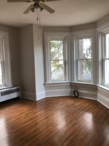 2 Bedroom Apartment in Napanee Available Immediately