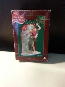 I  LOVE  LUCY   ..   HAWAIIAN  ORNAMENT