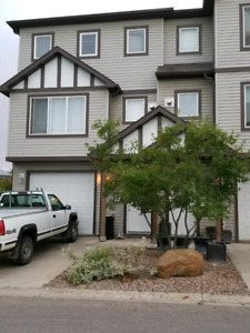 *REDUCED* 4 bedroom Furnished townhouse in Timberlea