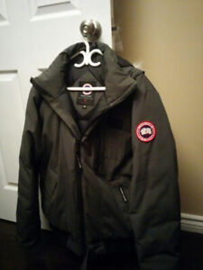 Canada Goose Borden Bomber - gray L size (authentic) pre-owned