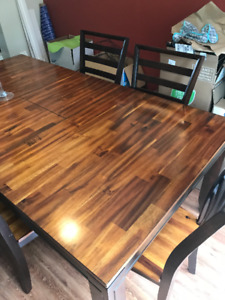 Solid Dining Table with Chairs