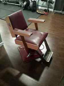 Vintage Belvedere hydraulic hair salon chair London Ontario image 1