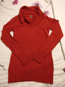Thyme Maternity Sweater (size M)