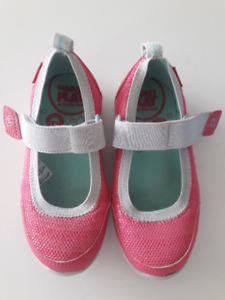 Stride Rite Pink Shoes - Size 9