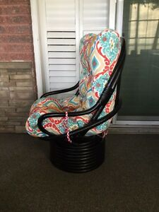 Swivel Chair Kawartha Lakes Peterborough Area image 2