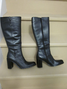 GUESS BY MARCIANO WOMEN'S LEATHER DRESS BOOTS SIZE 9