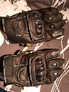 Men's and women's  leather  gloves   (NEW)   $45