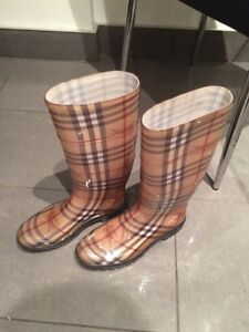 Burberry Rain Boots 100% Authentic