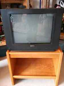TV Stand / End Table etc, solid wood, in excellent condition, sh Peterborough Peterborough Area image 2