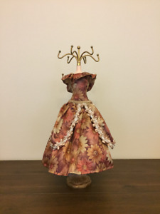 Mannequin Jewelry Display Stand Rack