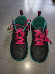 NEW! Danskin athletic shoes Kitchener / Waterloo Kitchener Area image 6