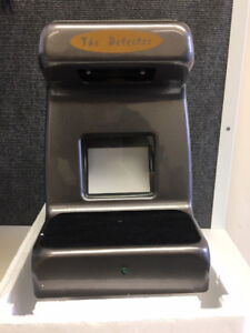 COUNTERFEIT MONEY DETECTOR WITH BUILT-IN INFRARED CAMERA