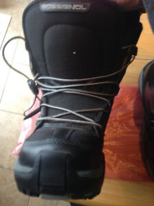 KIDS 4.5 SNOWBOARD ROSSIGNOL BOOTS - USED