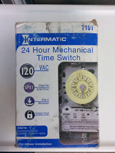 24 hour 120V Mechanical time switch. NEW.