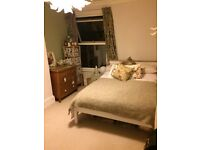 Unfurnished room to rent in beautiful terraced house