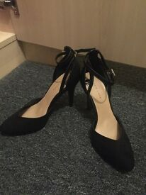 Size 4 heels new look brand new with labels
