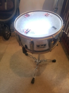 Pearl snare drum and stand