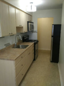 TERRIFIC 2 BEDROOM - CLOSE TO DOWNTOWN - $1325 INCLUSIVE