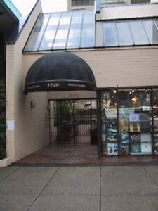 $1700 / 1br - 580ft2 - 1 Bedroom Fully Furnished on Robson St