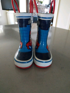 Excellent condition Joe Fresh Rain Boots Size 4 toddler