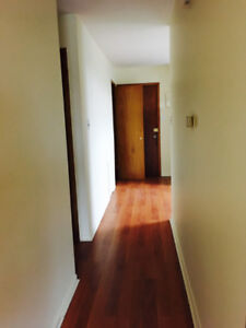 Spacious one bdrm unit available! first month 1/2 priced!!
