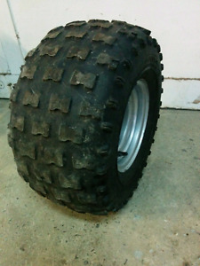 Roue pneu tracteur gazon